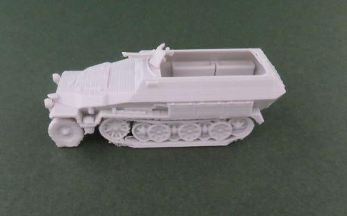Sd Kfz 251/1 halftrack (1:48 scale)