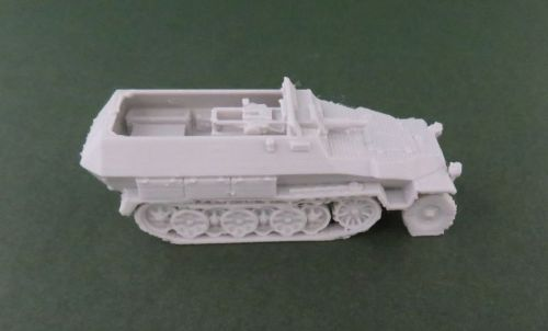 Sd Kfz 251/9 75mm halftrack (1:48 scale)