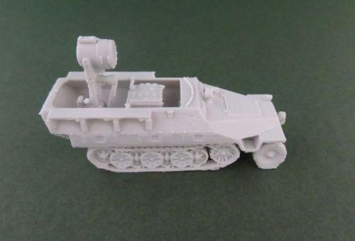Sd Kfz 251/20 UHU IR halftrack (1:48 scale)