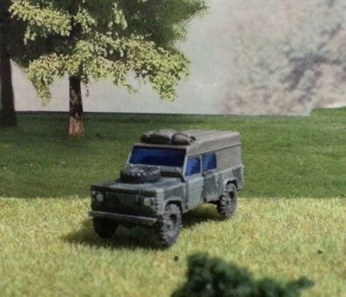 Land Rover Defender (28mm)