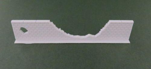 100mm Damaged High Brick Wall Straight #1 (28mm)