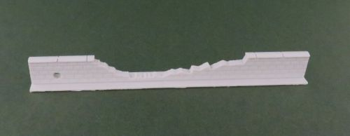100mm Damaged Low Brick Wall Straight #1 (28mm)